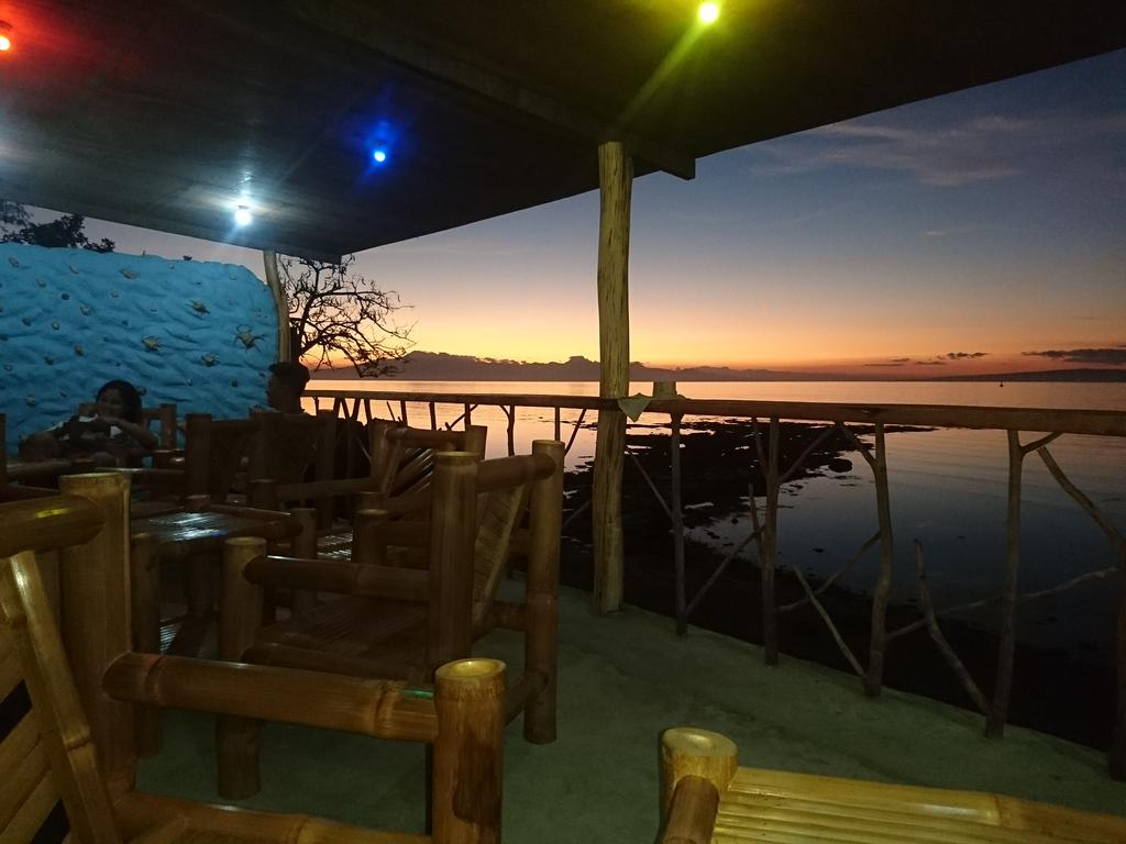Best hostel with an in-house party in Siquijor - Chillout Hostel & Bar, Siquijor